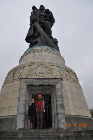 Den famøse statue i Soviet Memorial