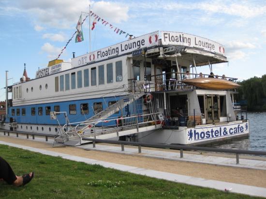Eastern Comfort flydende hostel