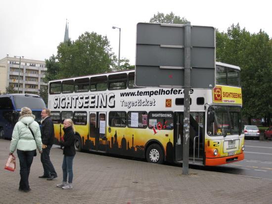 Vores sightseeing bus