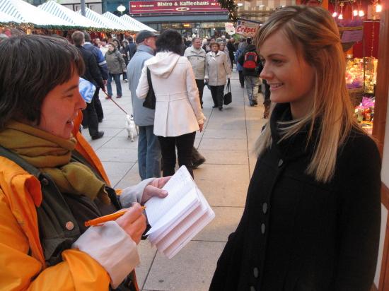 Her bliver vi interviewet til avisen Berlin Curier