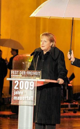 Merkel holder tale